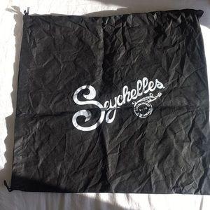Seychelles Dust Bag